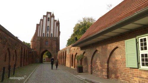 Rote Schätze: Neubrandenburg und seine Backsteingotik