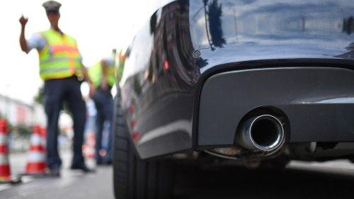 """""""Autoposer"""": Polizei stellt zu laute Autos sicher"""