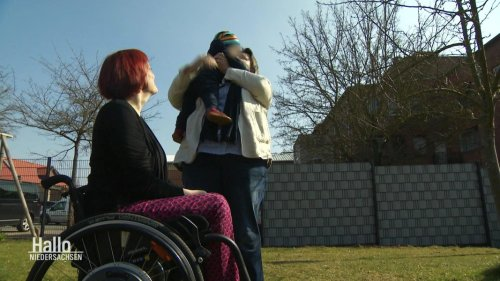 Co-Mutterschaft: OLG hält Adoptionszwang für verfassungswidrig