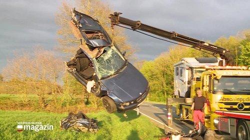 Langeln: Pkw bei Unfall mit Wohnmobil in zwei Teile gerissen