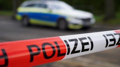 Northeim: Spaziergänger finden tote Frau in Maisfeld