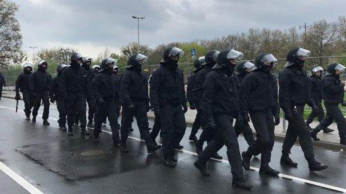 Attacke auf Polizei: 96-Anhänger befreien Festgenommenen