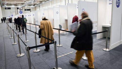 Impfzentrum mit Rekordzahlen - Hausärzte sollen einsteigen