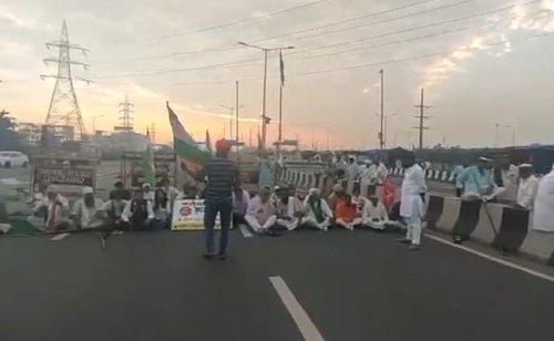 Delhi-UP Traffic Hit, Trains Cancelled Amid Farmers' Bharat Bandh