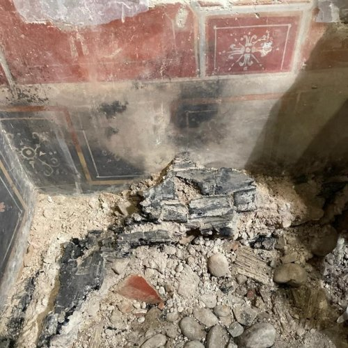 Miniature Pompeii Discovered In Italy