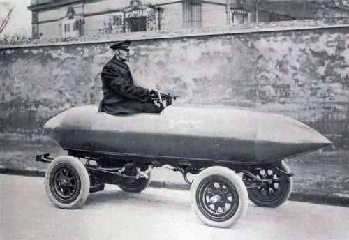 The First Car To Go 100km/h