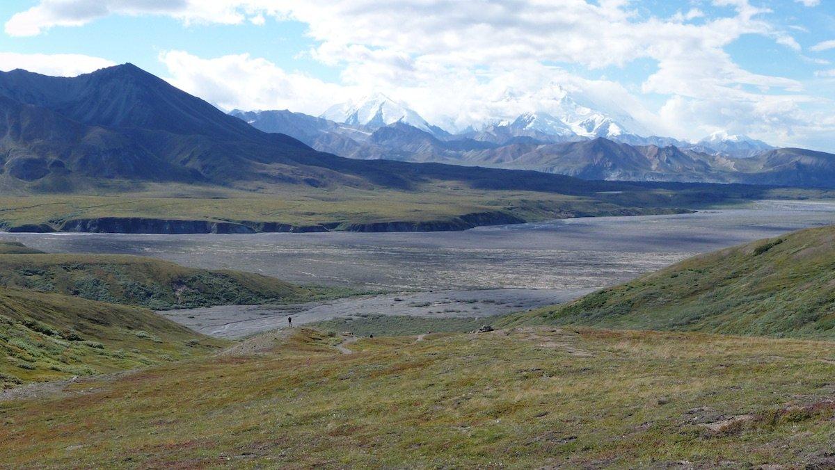 A River of Frozen Poop Is Pouring Down an Alaskan Mountain - Nerdist