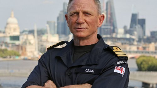 Daniel Craig Now Has the Same (Honorary) Rank as Bond - Nerdist