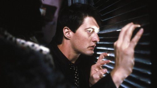 How BLUE VELVET Set the Tone for David Lynch's Filmography - Nerdist