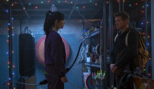 Festive HAWKEYE Trailer Introduces Kate Bishop - Nerdist