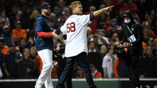 Jonathan Papelbon Fires 91-MPH Fastball For First Pitch At Fenway Park