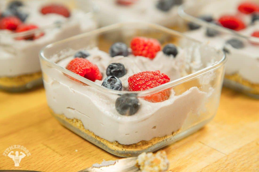 Easiest Raw Vegan Berry Cheesecake