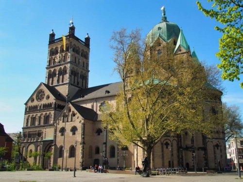 Neuss Sehenswürdigkeiten: Quirinus-Münster, Blutturm und vieles mehr - Highlights der letzten 2000 Jahre