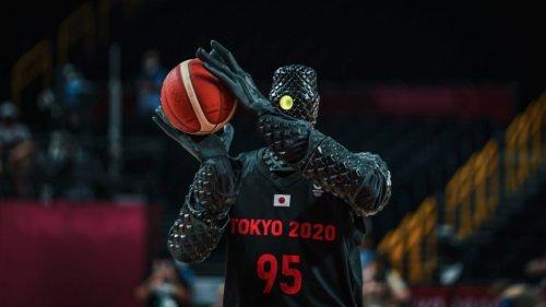 Gruseliges Olympia: Toyota-Roboter trifft beim Basketball mit messerscharfer Präzision
