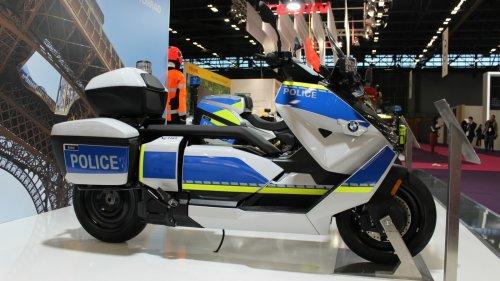 BMW CE 04 als Behördenfahrzeug: Achtung, hier stromert die Polizei