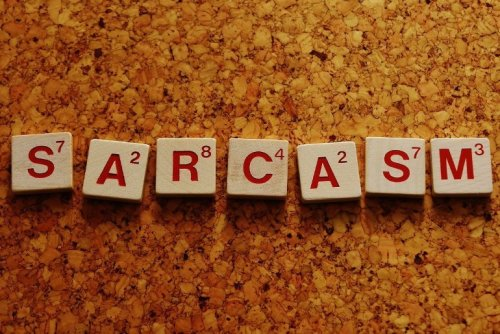 Researchers Develop Artificial Intelligence That Can Detect Sarcasm in Social Media - Neuroscience News