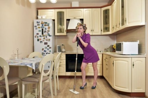 Spending Time on Household Chores May Improve Brain Health - Neuroscience News