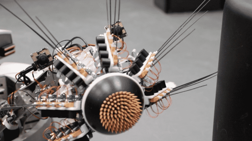 A Robot Has Learned to Combine Vision and Touch - Neuroscience News