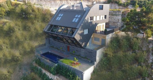 Spectacular luxury home is a real cliff hanger