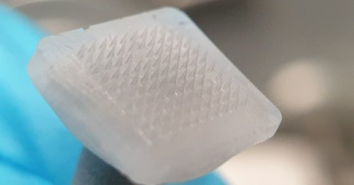 Ice microneedle patches deliver drugs, then melt away
