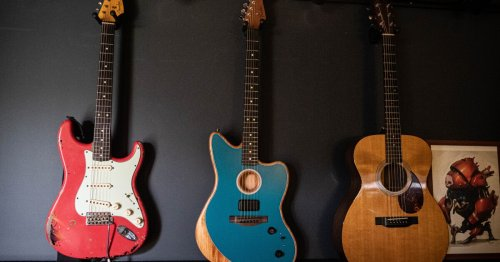 "Fender's R&D chief: The Acoustasonic ""is the transitional guitar"""