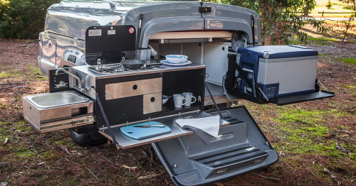 Kerfton off-road trailer slides and swings into picnic area or camper