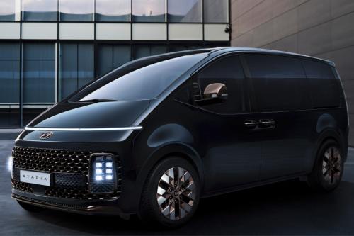 Hyundai specs its otherworldly Staria van and previews camper car