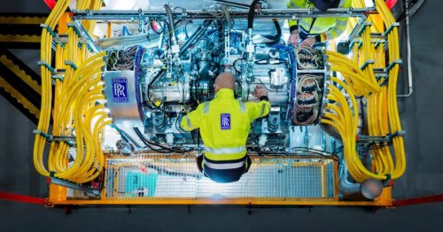 Rolls-Royce puts 2.5-MW generator for future hybrid aircraft to the test