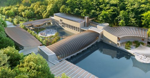 Moshe Safdie builds bridges with pond-spanning museum extension