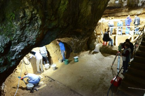 45,000-year-old human genomes reveal extent of Neanderthal interbreeding