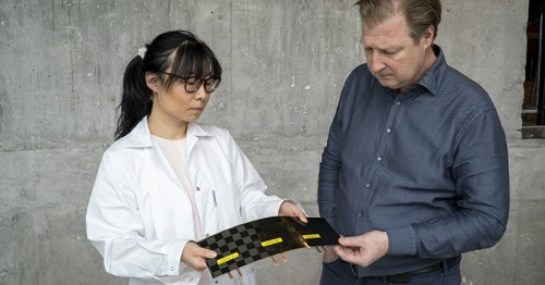 """""""Massless"""" carbon fiber battery doubles as a structural component"""