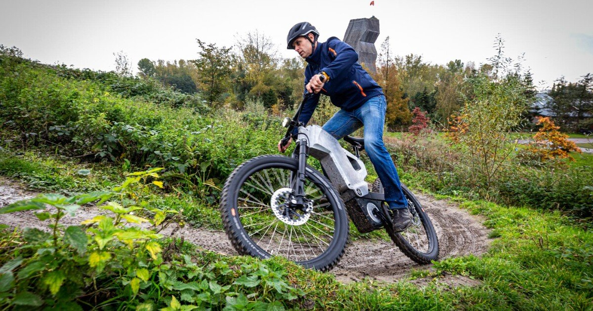 Trefecta throws the kitchen sink at its bare-metal ABS-equipped RDR ebike