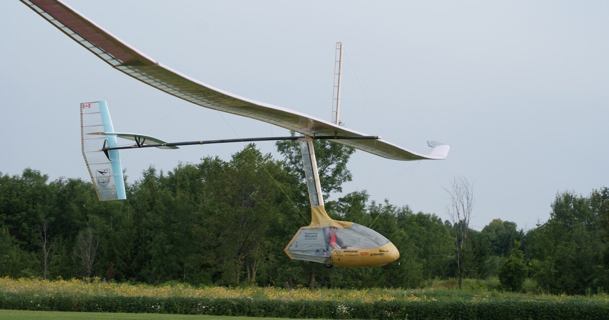 """""""Snowbird"""" claims record for sustained flight of a human-powered ornithopter"""