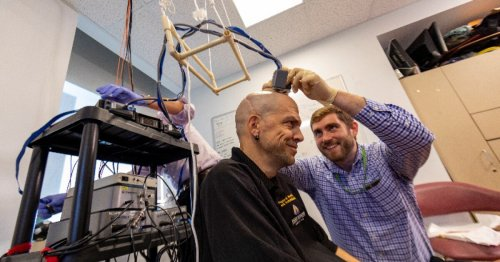 First bilateral brain implant gives paraplegic a two-handed sense of touch