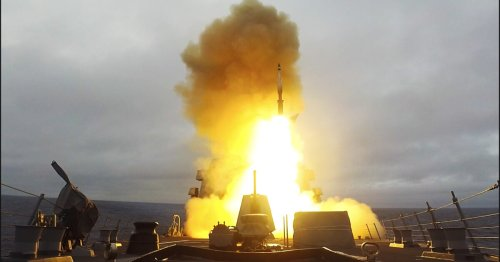 US Navy intercepts ballistic missiles with the aid of a Dutch frigate