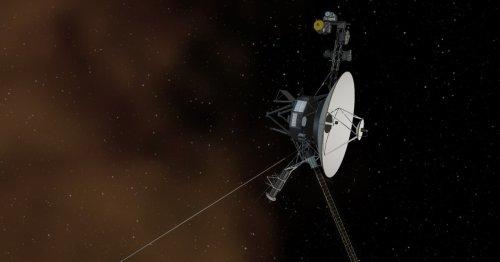 "Voyager 1 detects plasma ""hum"" in interstellar space"