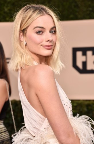 Margot Robbie Reveals Exactly What She Eats In A Day While Preparing To Play 'Barbie'