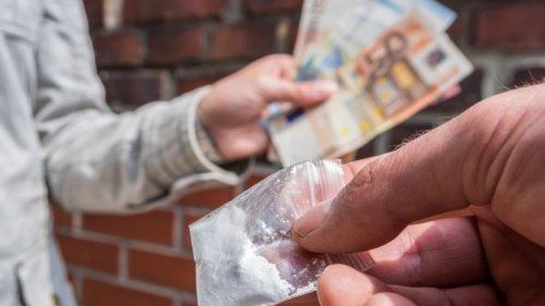 Polizeimeldungen für Neubrandenburg, 18.10.2021: Junge Frau mit Drogen in Disko erwischt