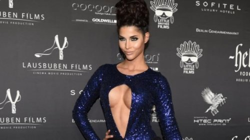 Micaela Schäfer: Bojen-Alarm! SO verführerisch ehrt die Miss Venus ihr Baywatch-Idol