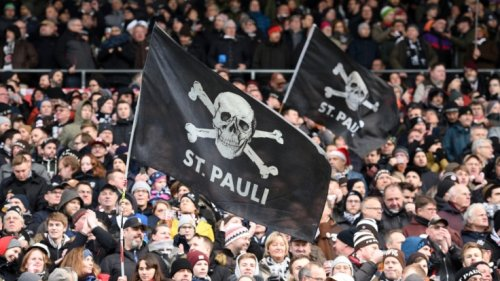 St. Pauli vs. Hansa im TV verpasst?: FC St. Pauli blamiert Rostock mit Kantersieg!