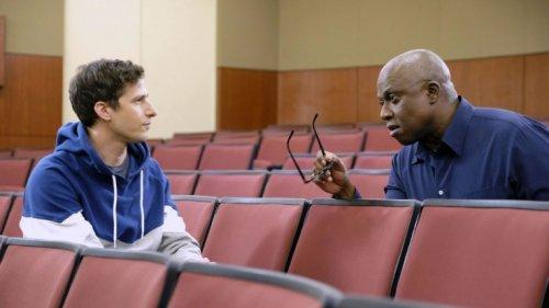 """""""Brooklyn Nine-Nine"""": Wiederholung von Episode 13, Staffel 6 online und im TV"""