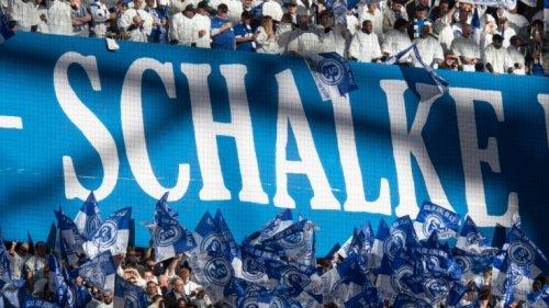 Schalke vs. KSC verpasst?: Das hatte sich Schalke anders vorgestellt: 1 : 2 gegen KSC