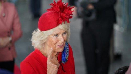 Camilla Parker Bowles: Protokoll gebrochen! Für DIESEN Zitter-Auftritt erntete Charles' Frau Kritik
