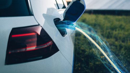 Battery Storage Infrastructure Can Lay the Roadmap for Greater EV Adoption: Deloitte