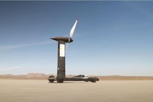 Can a Wind-Powered Vehicle Outrun the Wind? A Physicist and a YouTuber Bet $10,000 On It