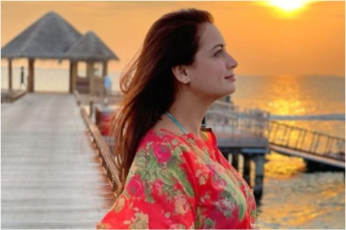 This Is Why Pregnant Dia Mirza's Doctor Didn't Let Her Take COVID-19 Vaccine