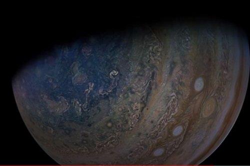 'Wish Galileo Could See This': NASA Video of Juno Nearing Jupiter's Moon is Magical