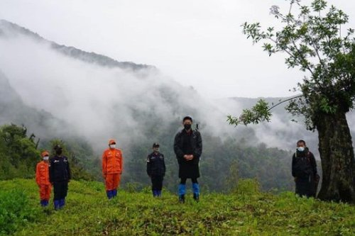 Bhutan's King Treks for 5 Days to Inspect Illegal Border Crossings that May Increase Covid Risk