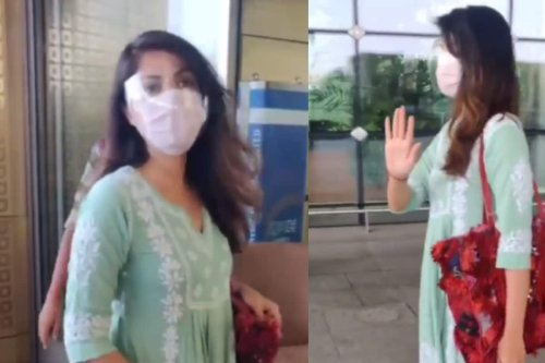 Rhea Chakraborty Reacts to Paps Requesting Her to Pose at Airport: 'Idhar Toh Rukna Hi Tha'