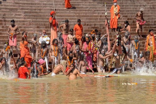67-Yr-Old Kumbh Mela Returnee Becomes Super Spreader, Infects 33 with Covid-19 in Bengaluru